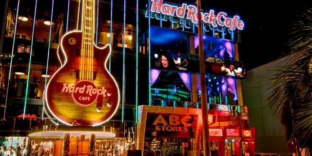 Las Vegas Hotels Near Hard Rock Cafe